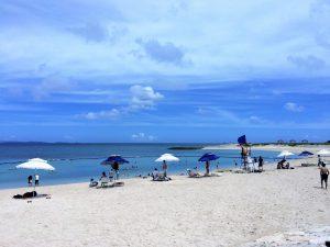 那覇空港から近い豊見城市「美らSUNビーチ」とは?