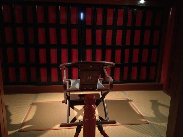 首里城正殿の国王座席