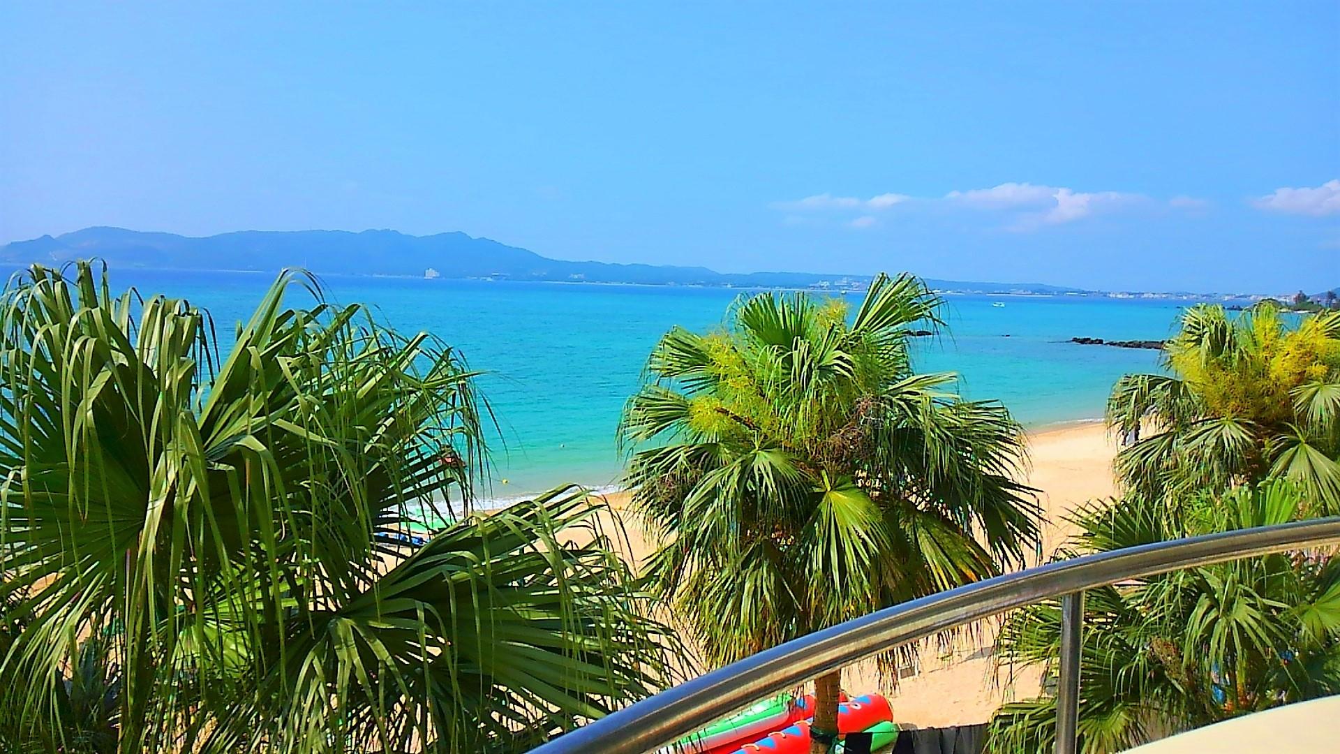かねひで喜瀬ビーチパレスの部屋から見た眺望は、まさにオーシャンフロント。目の前一面に広がる海が一望できます。