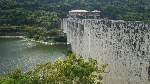 梅雨時に多くの雨を貯水するダムです。