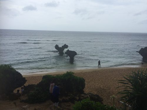 沖縄梅雨入り時の画像です。梅雨でも1日中、雨が降り続けることはありません。