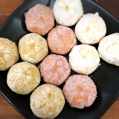 那覇空港で買える人気の土産。沖縄の定番土産に飽きた方に絶対おすすめしたい人気商品です。中身も珊瑚をイメージして作られていて感動ものです。