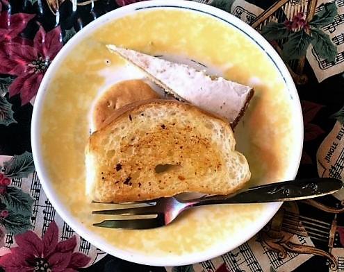 Aサインレストランピッツバーグフォーラムのパンとレモンケーキ