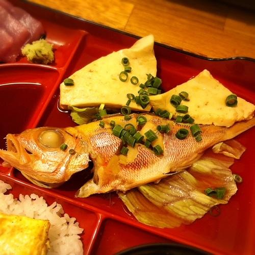 のうれんプラザ内、鮮魚店直営の食堂「響」