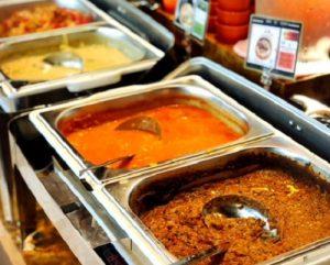 6種類のアジアンカレーが690円で食べ放題!「昊(KOU)カレー」