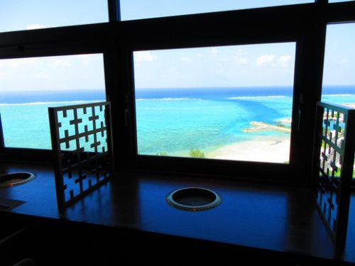 朝食会場がとっても素敵な沖縄本島のホテルカフー