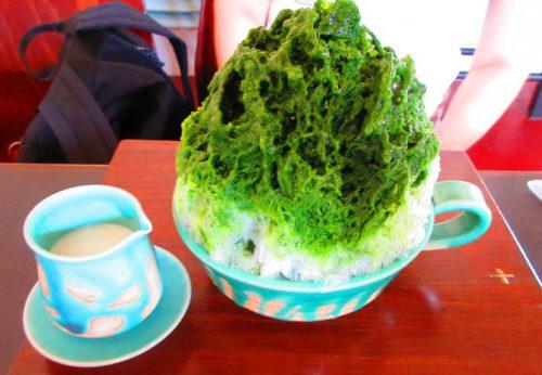 宮城島の「瑠庵 島色」の抹茶かき氷