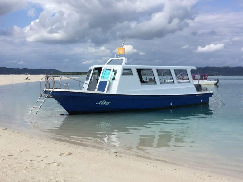 ハテの浜へのグラスボート