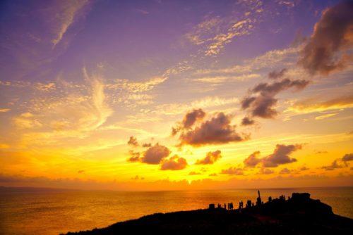 沖縄本島で感動する西海岸の夕日スポット7選