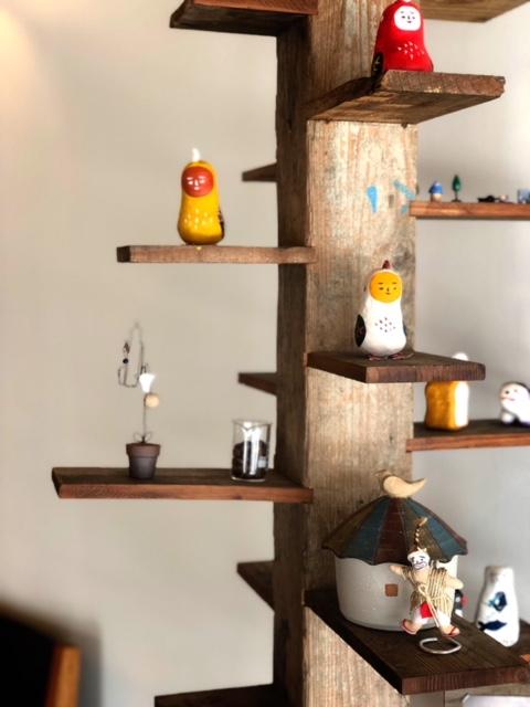 那覇でカフェするならオシャレな「トックリキワタ珈琲店」店内