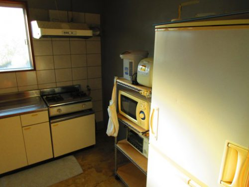 伊是名島の宿泊は古民家に泊まろう台所