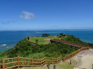 沖縄南部をドライブするなら穴場絶景スポット「知念岬公園」へ!