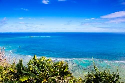 沖縄南部ドライブの穴場絶景スポット「知念岬公園」から見る大海原