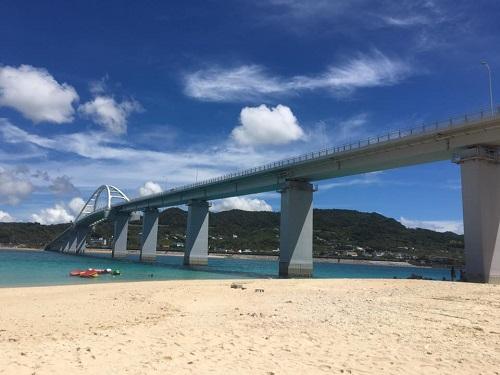 沖縄本島をドライブで巡る北部観光モデルコース瀬底大橋
