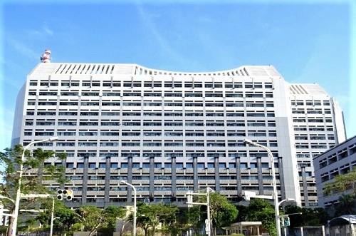 沖縄の個性的でカッコいい巨大な建築物沖縄県庁