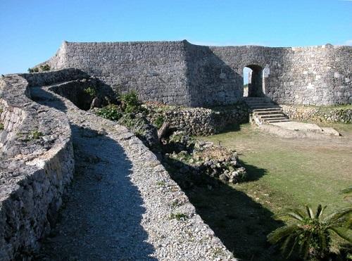 沖縄世界遺産巡りの城跡で人気の中城城跡