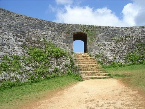 沖縄世界遺産巡りの中部で人気の座喜味城跡