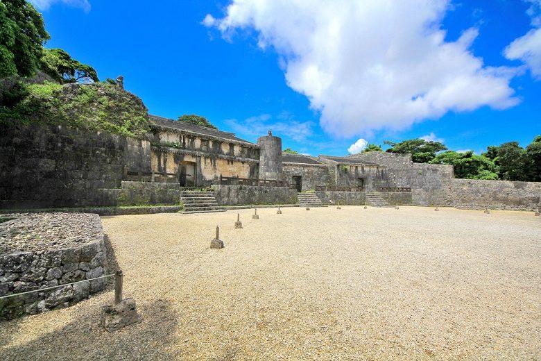世界遺産の玉陵は琉球王国尚家の墓