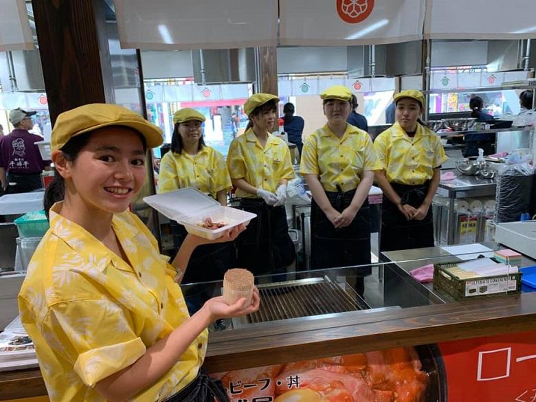 琉球王国市場グランドオープンの各店舗の様子