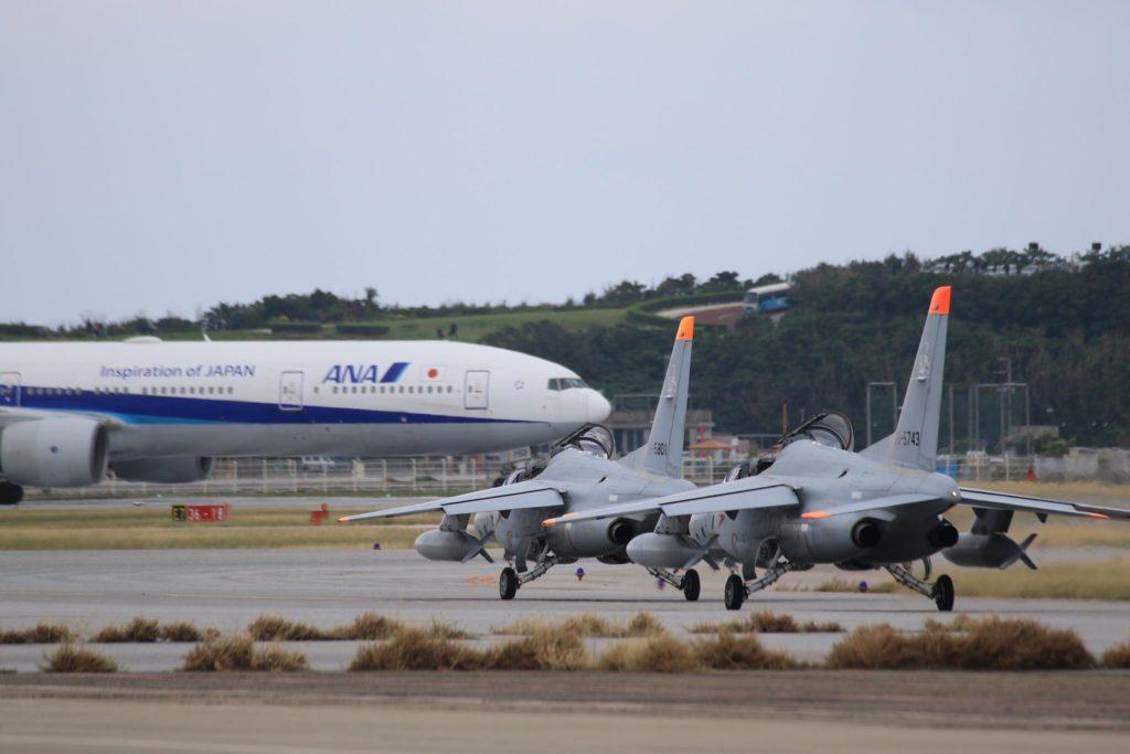 那覇基地「美ら島エアーフェスタ 2018」F-15と全日空機