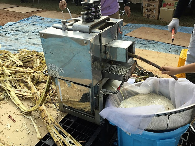 大宜味村産業まつり!やんばるの特産品を高校生、中学生も!