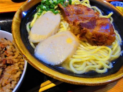 久米島で沖縄そばを食べるならココ!お食事所ゆき