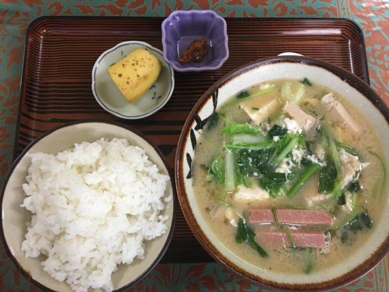 沖縄で味噌汁ならココ!名護のオリエンタル食堂の味噌汁