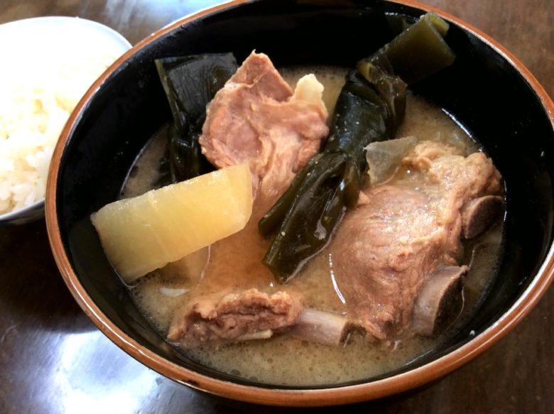 沖縄の正月は3回やってくる!旧正月と「ジュウルクニチー」はソーキ汁