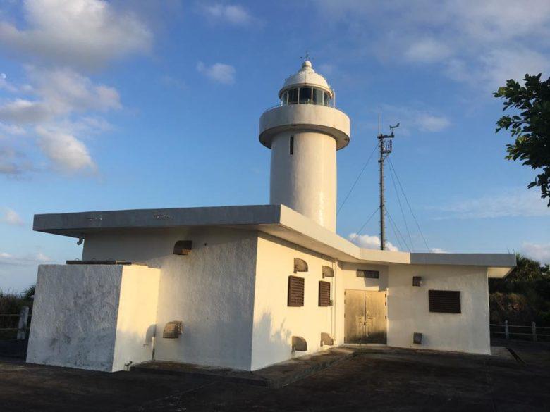 伊平屋島への旅の魅力を知る「伊平屋七景」伊平屋灯台