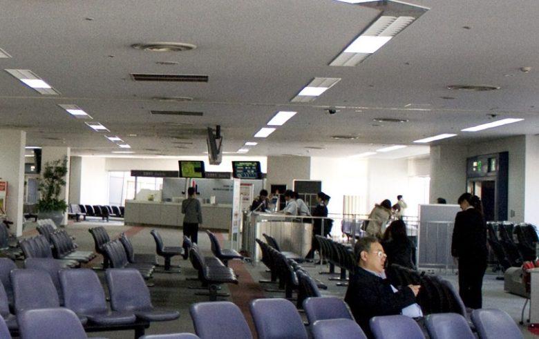 オーバーブック体験で羽田空港搭乗口で足止め、沖縄便に乗れないかもしれない