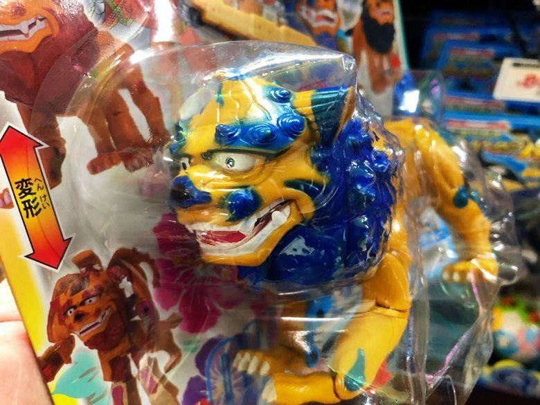 沖縄土産セレクション、これは子供向けシーサー
