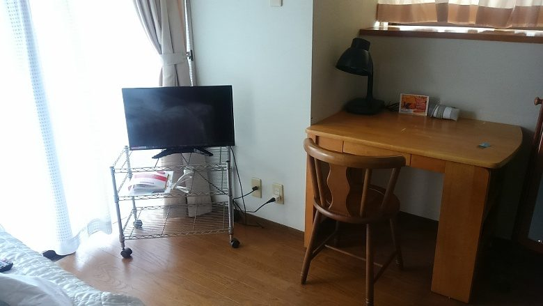 那覇で「民泊」ハーバービューマンションの室内