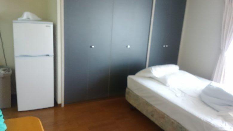 那覇で「民泊」を体験ハーバービューマンションの室内