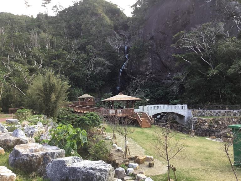 名護の轟の滝