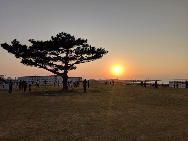 浦添のキャンプキンザー・サンセットウォークで夕日が綺麗!