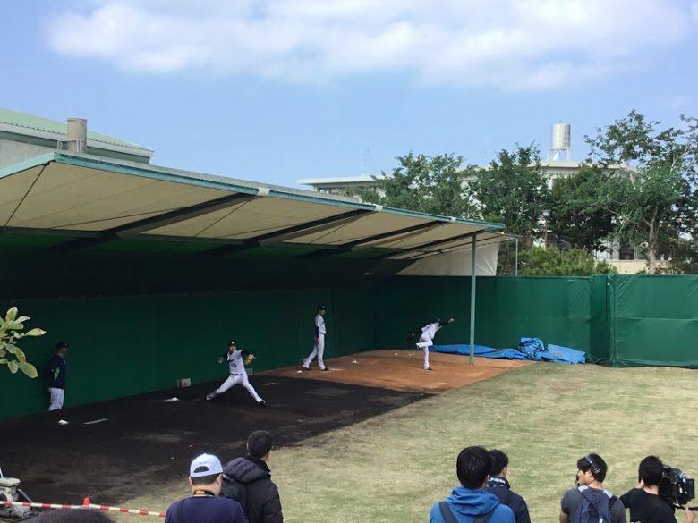 プロ野球沖縄キャンプイン!浦添市のヤクルトキャンプ編投手練習