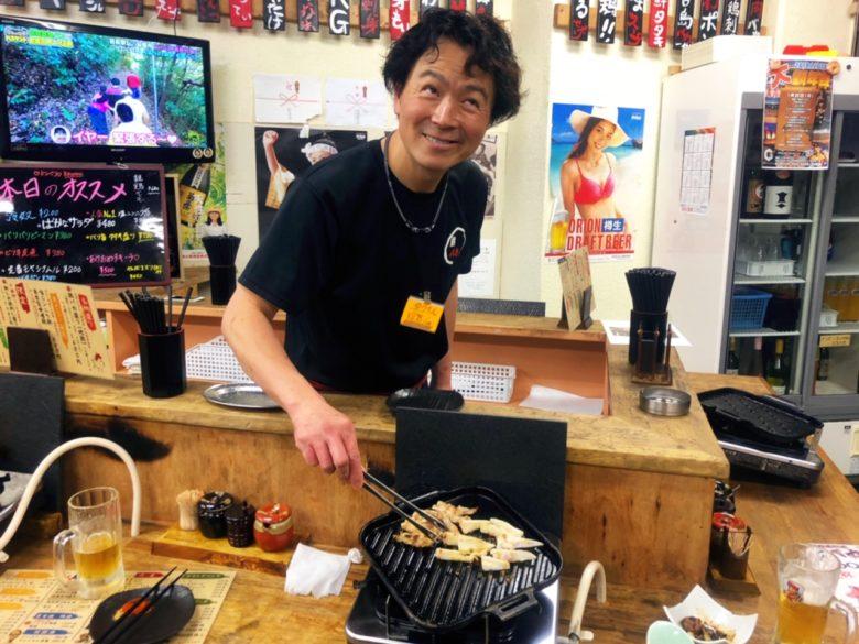 牧志公設市場から1分、沖縄地鶏、おもしろスタッフがいる鶏料理専門店「鶏バカ一代」