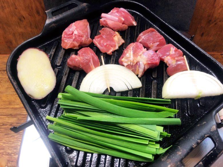 牧志公設市場から1分、沖縄地鶏と天草大王がある鶏料理専門店「鶏バカ一代」
