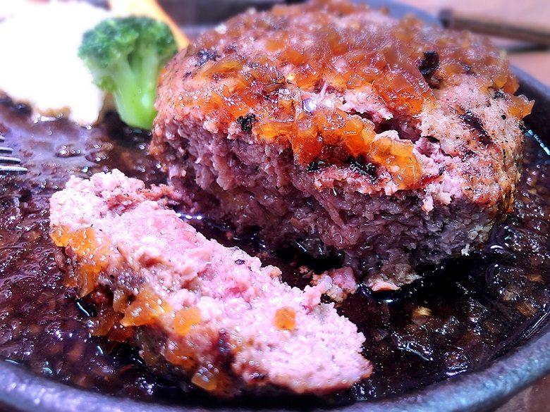 琉球王国市場のハンバーグ、ステーキ