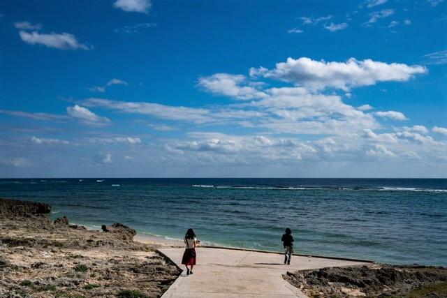 神の島「久高島」をレンタサイクルでシマーシ浜