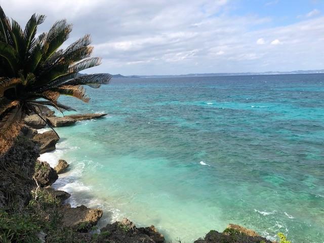 神の島「久高島」をレンタサイクルでヤグルガーから見る海