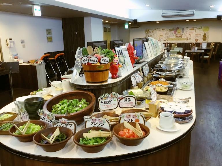 ホテルオーシャン那覇国際通りの朝食は地産地消の野菜がタップリ
