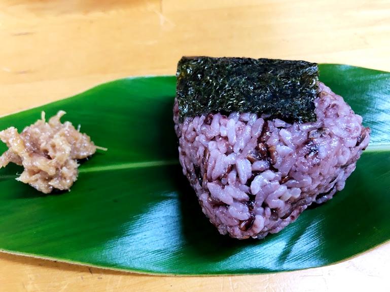 沖縄そばランキング食べログ1位「てん to てん」で古代米