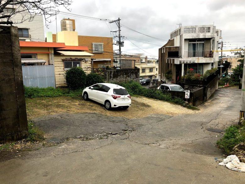 沖縄そばランキング食べログ1位「てん to てん」の駐車場
