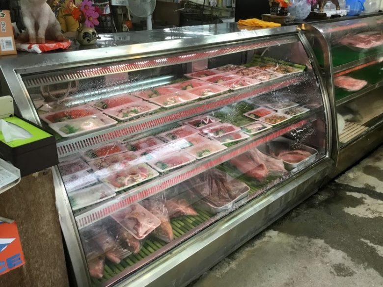 名護市羽地のローカル飲食ロードはハイケイと刺身