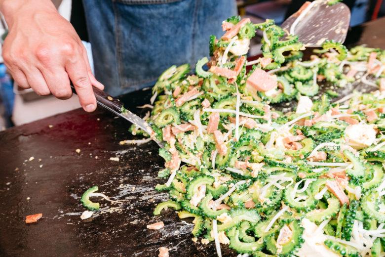 OKINAWAまつりの沖縄FOOD屋台はゴーヤーもタップリ