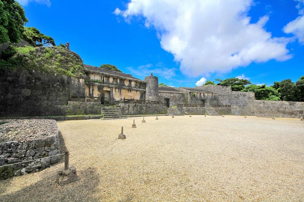 世界遺産「玉陵」は国宝に指定された第二尚氏王統の陵墓!