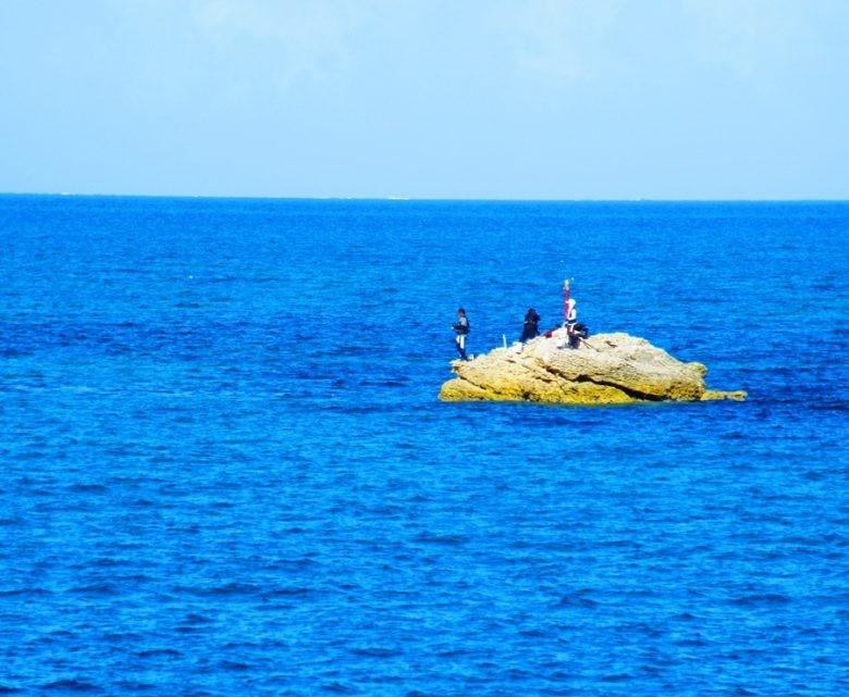 津堅島で釣り