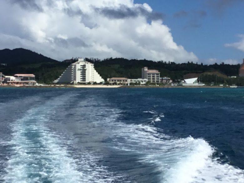 恩納村産マリーナホテルから本部港に向かう高速船
