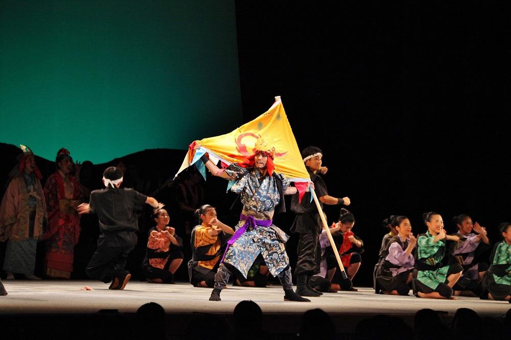 東京国立劇場で肝高の阿麻和利